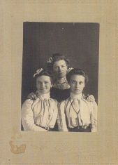 Lizzie Miller and some Walker girls. I don't know which one is Lizzie.